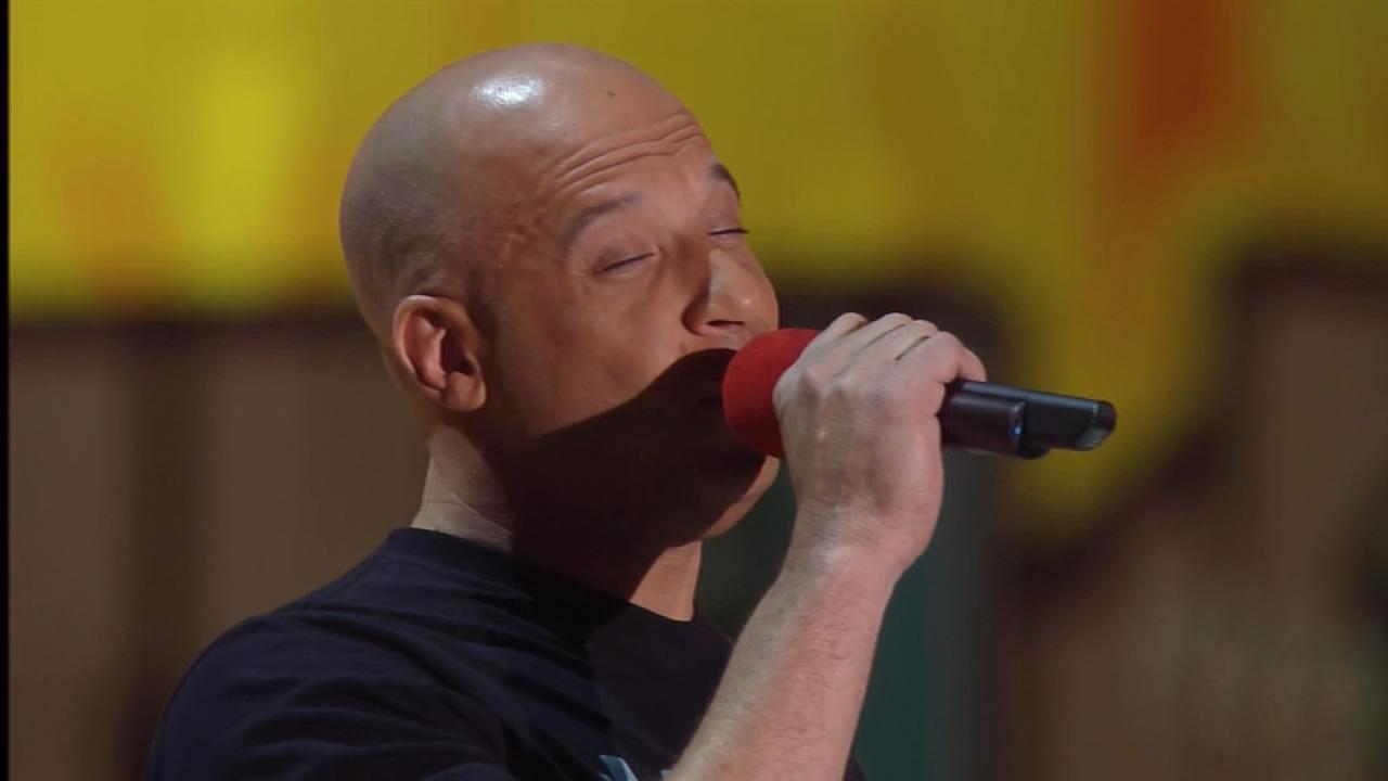 Vin Diesel Sings Touching Tribute to Paul Walker at MTV Movie Awards