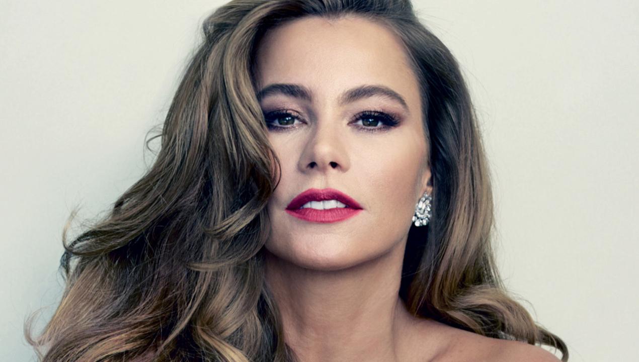 Sofia Vergara Naked Fake Beautiful sofia vergara goes topless for 'vanity fair': 'i wish i had fake