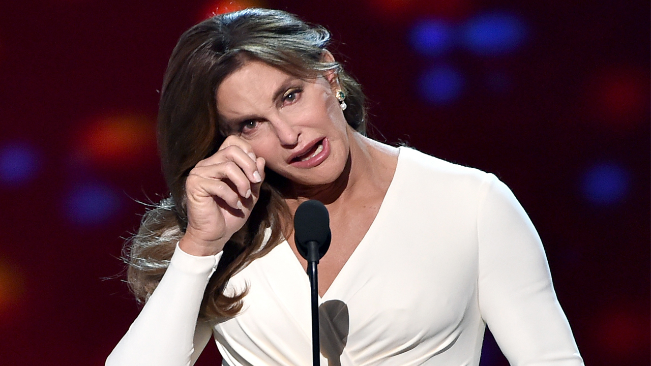 This Potentially 'Transphobic' Caitlyn Jenner Costume Is Facing ...