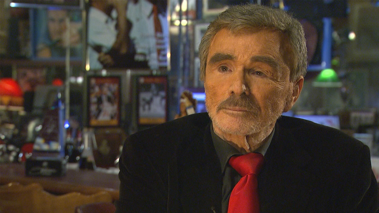 EXCLUSIVE: Burt Reynolds Regrets Iconic 1972 Nude Centerfold: U0027I Was Very  Young And Very Stupidu0027 | Entertainment Tonight