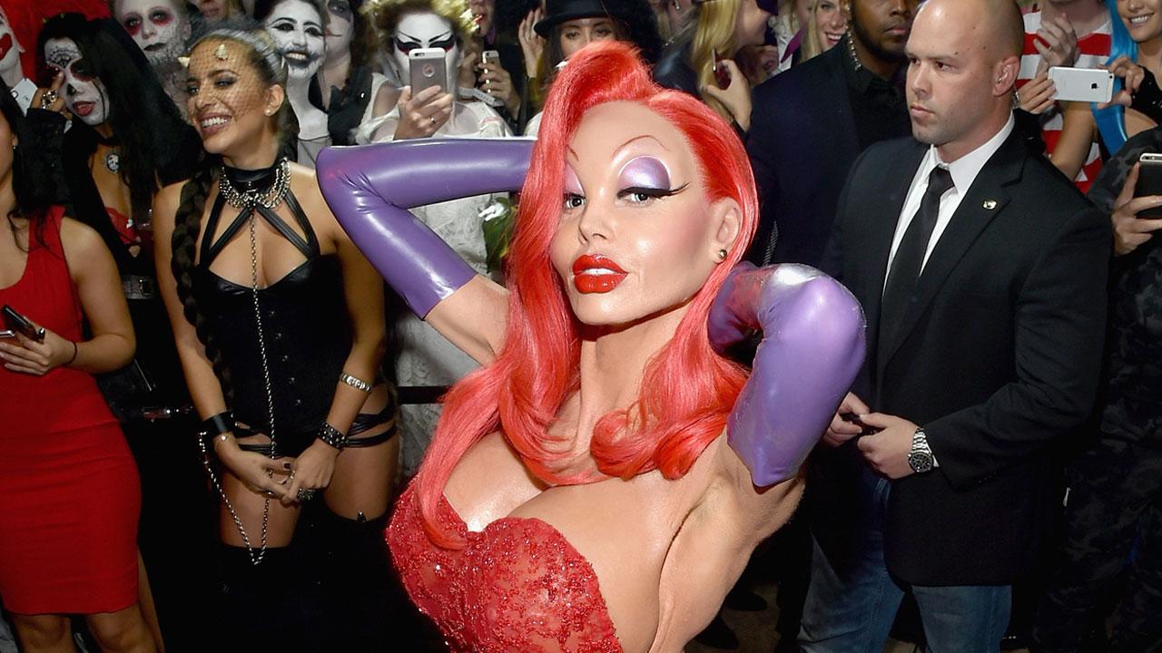 EXCLUSIVE: Heidi Klum's Epic Halloween Costume Includes Five ...