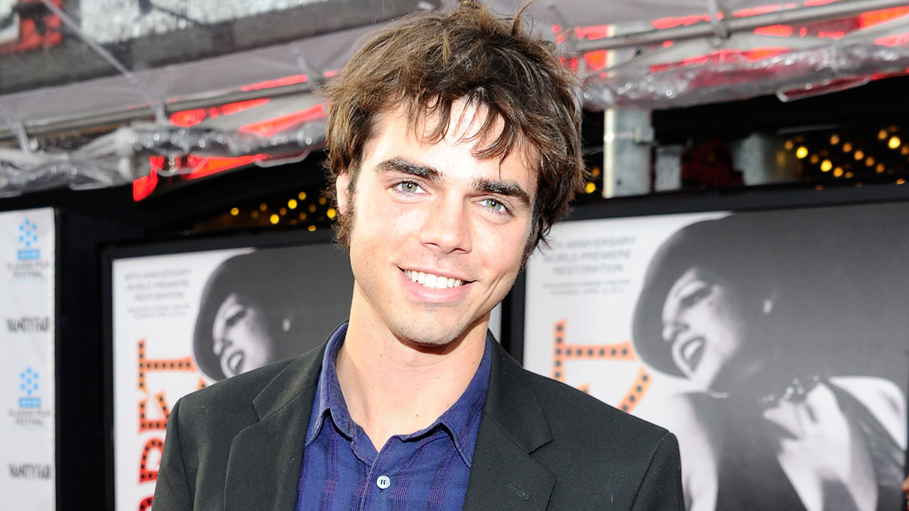 'Modern Family' Star Reid Ewing Reveals Intense Struggle With Body Dysmorphia, Plastic Surgery Addiction