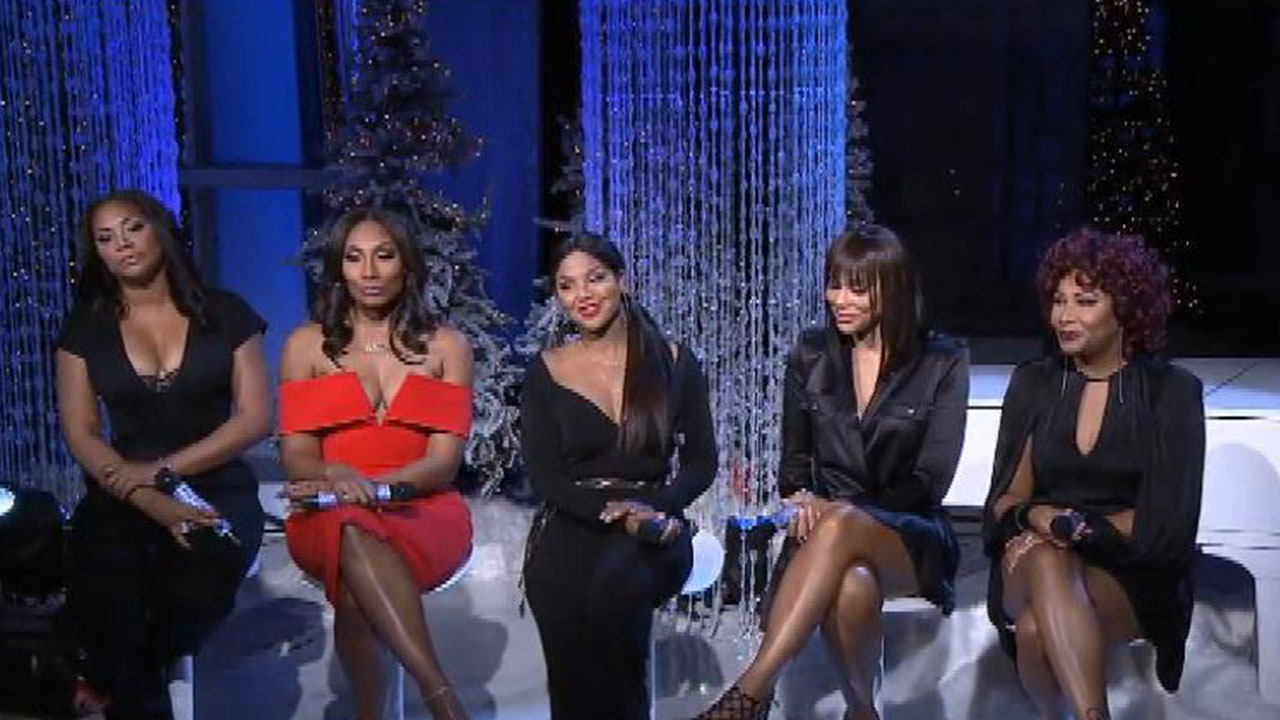 EXCLUSIVE: Braxton Family Celebrates Christmas on 'The Real ...