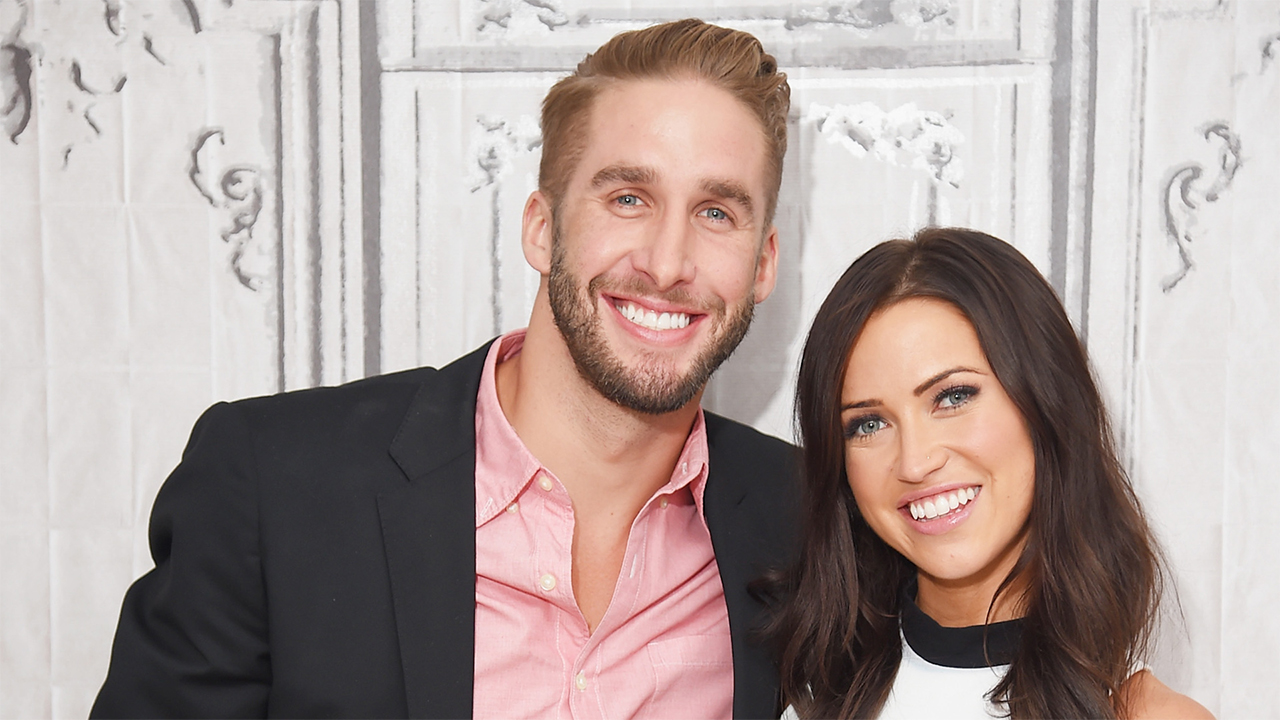 Bachelorette Couple Kaitlyn Bristowe And Shawn Booth Are Adorable At Friends Wedding Joke About Not Being