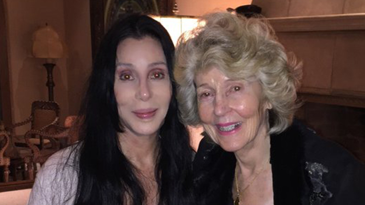 Recent pictures of cher 2019