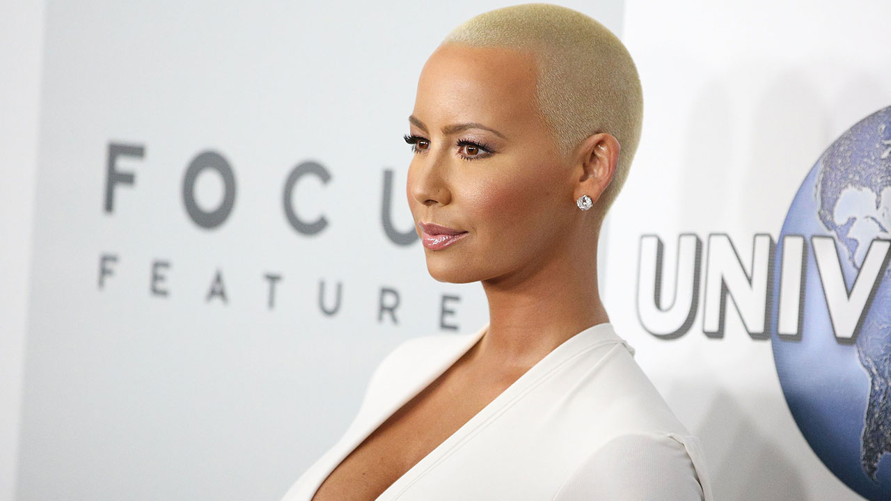 b622ae52d7 Amber Rose Jumps to Kim Kardashian s Defense After Pink s Alleged Attack