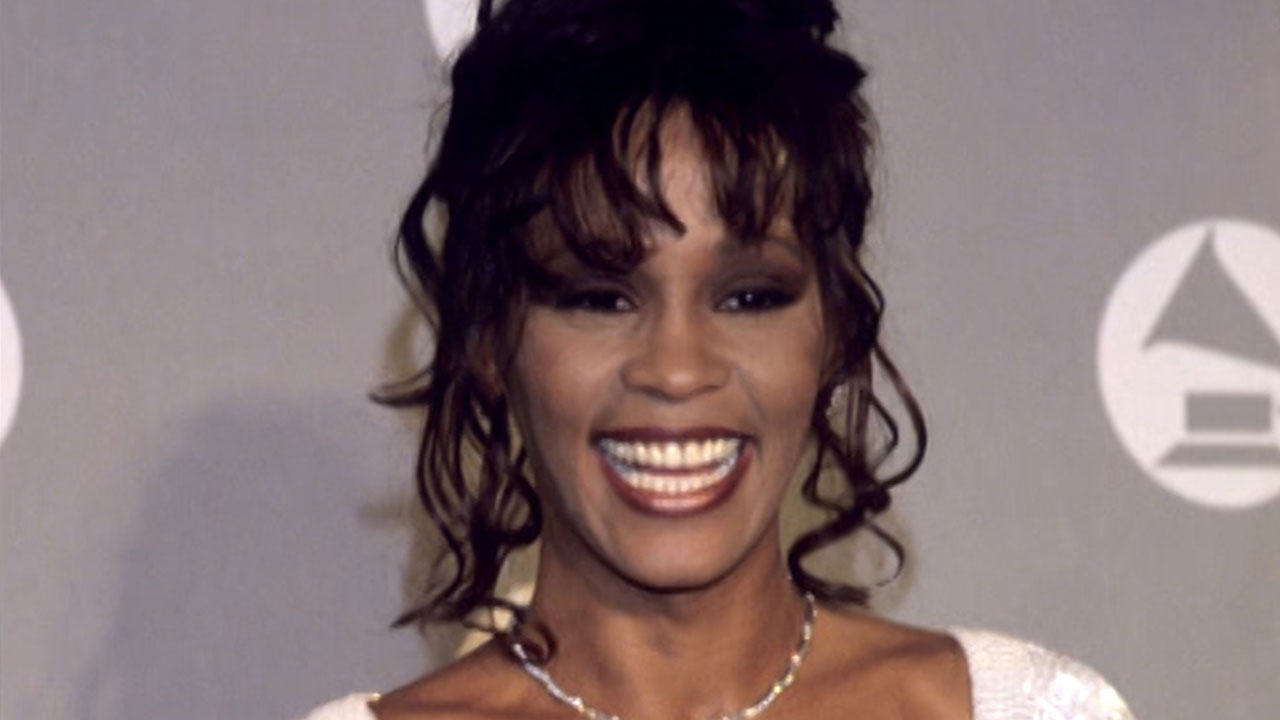 Whitney Houston Hairstyles Exclusive Deborah Cox Talks Channeling Whitney Houston For