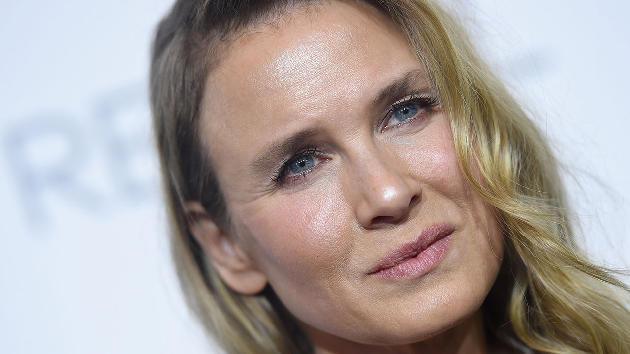 renee zellweger speaks out on humiliation of plastic surgery  renee zellweger speaks out on humiliation of plastic surgery rumors in powerful essay entertainment tonight