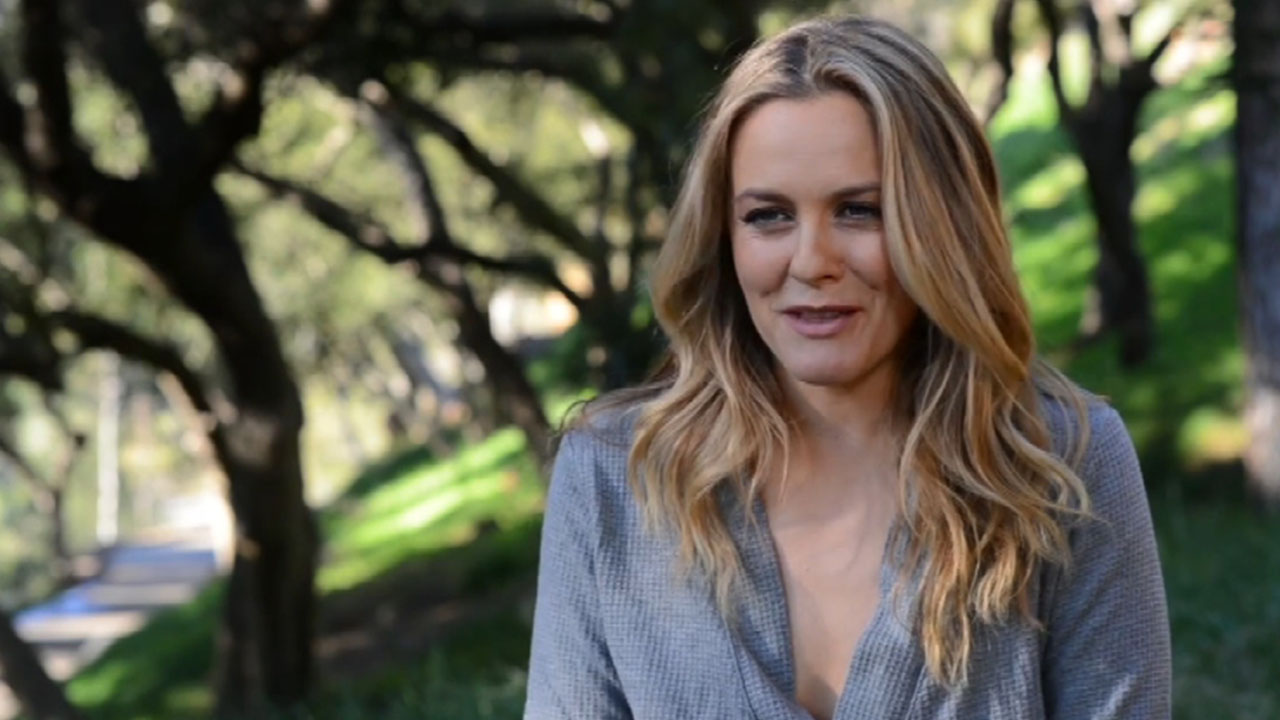 Alicia Silverstone Goes Naked for PETA to End Sheep Cruelty -- See the  Stunning Pic!