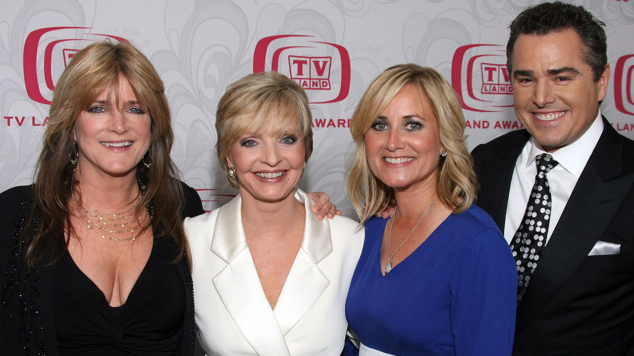 florence henderson youngflorence henderson amish paradise, florence henderson death, florence henderson, florence henderson age, florence henderson cause of death, florence henderson died, florence henderson brady bunch, florence henderson dead, florence henderson funeral, florence henderson net worth, florence henderson dancing with the stars, florence henderson and barry williams, florence henderson wikipedia, florence henderson last movie, florence henderson wiki, florence henderson movies, florence henderson young, florence henderson feet, florence henderson biography, florence henderson bio