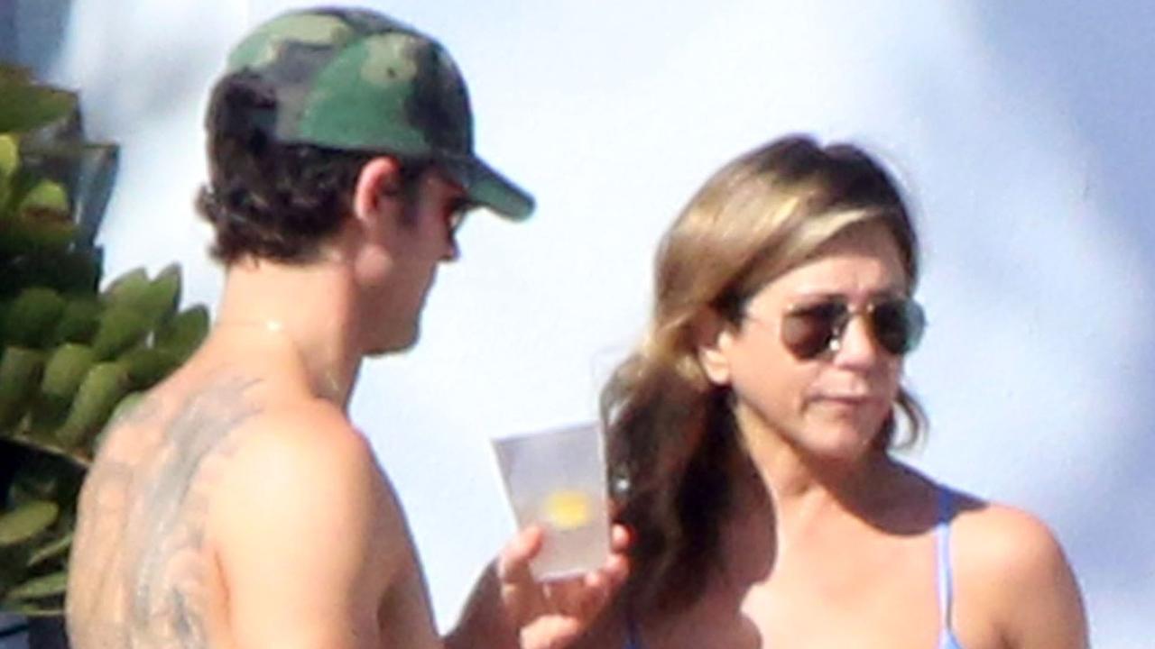 Jennifer Aniston Rocks a Sexy Blue Bikini While Celebrating Her 48th ...