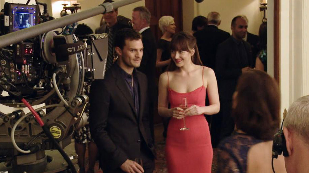Exclusive 6 Secrets From The Fifty Shades Darker Set