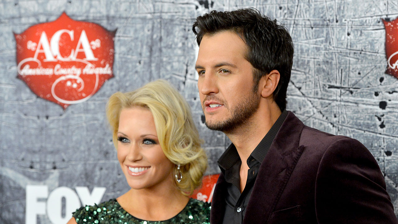 Luke bryan mourns the death of his infant niece thanks fans for their support entertainment tonight