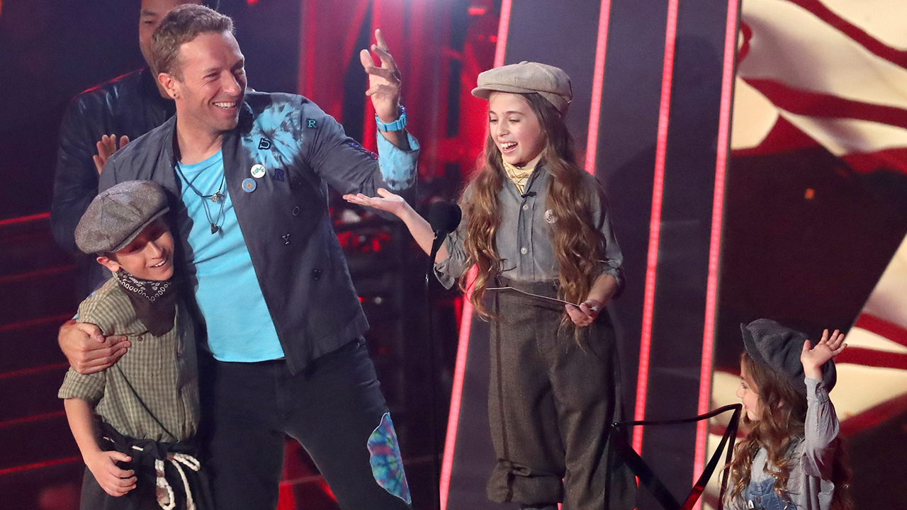 Coldplay Hilariously Recruits Katy Perry S Kid Dancers To Accept