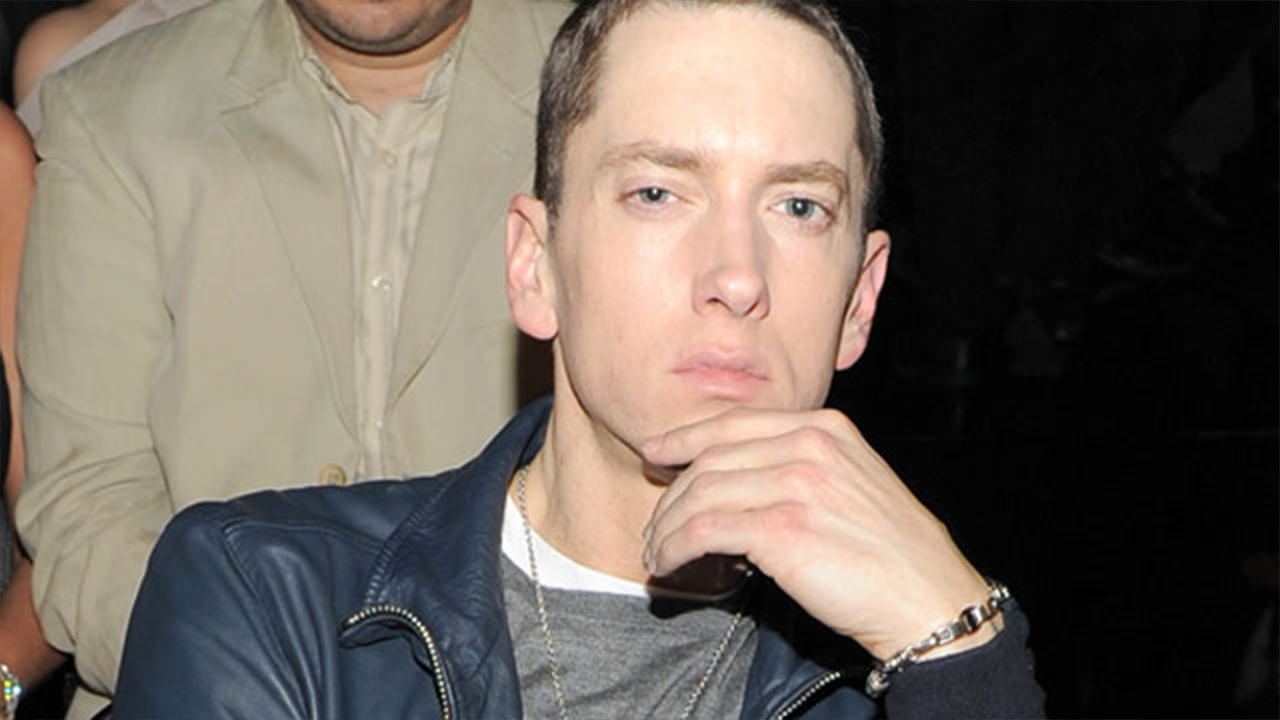 3151218a5ff Eminem Has a Beard and Brown Hair Now and the Internet Can t Handle ...