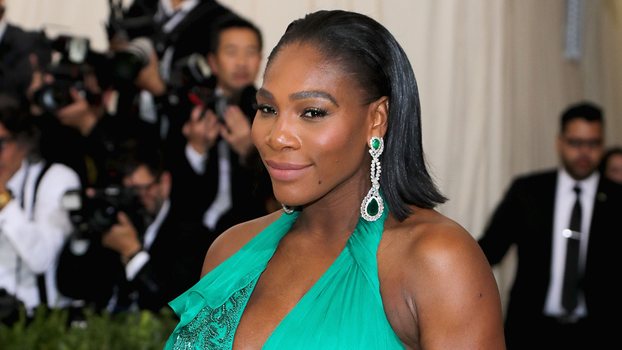 Pregnant Serena Williams Slays on the Tennis Court With Baby Bump