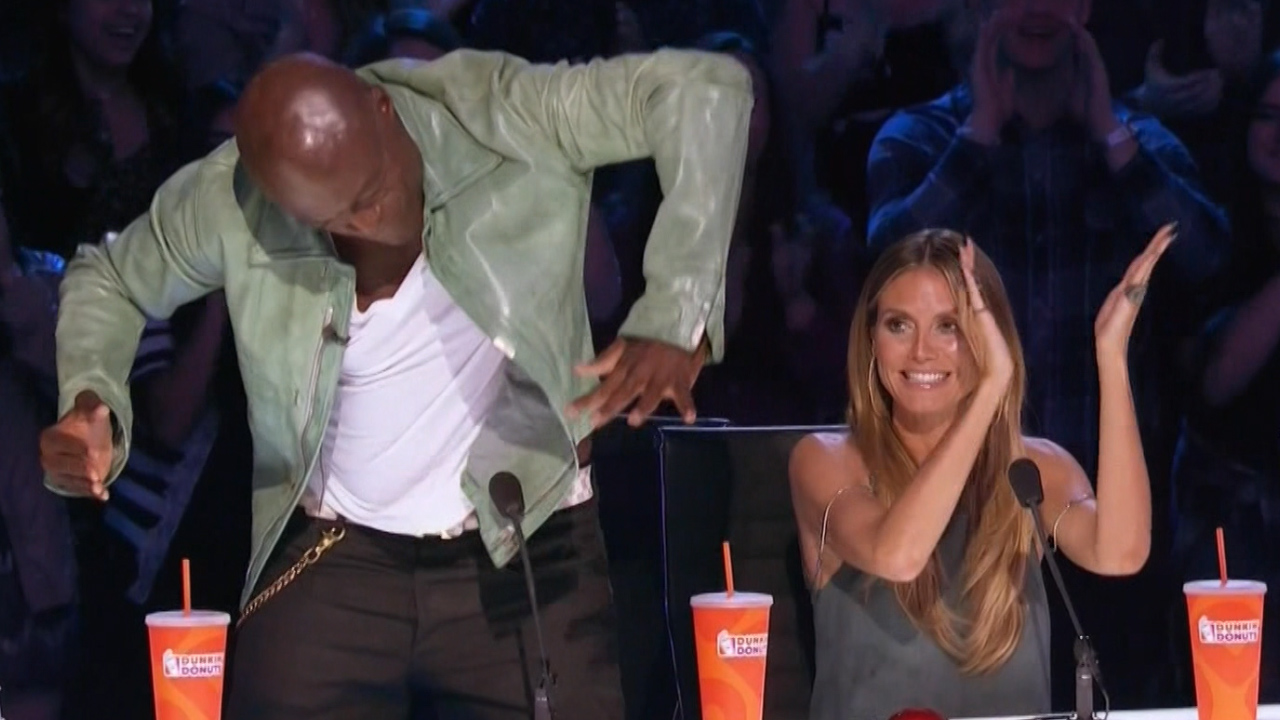 Americas got talent 2017 on hulu -  America S Got Talent Find Out Which Contestant Got The Golden Buzzer From Guest Judge Seal Entertainment Tonight