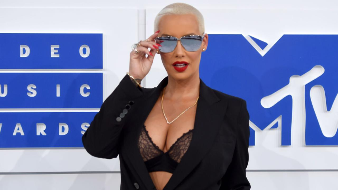 92f8cb9c3b Amber Rose Updates Fans After Breast Reduction Surgery   I Might ...