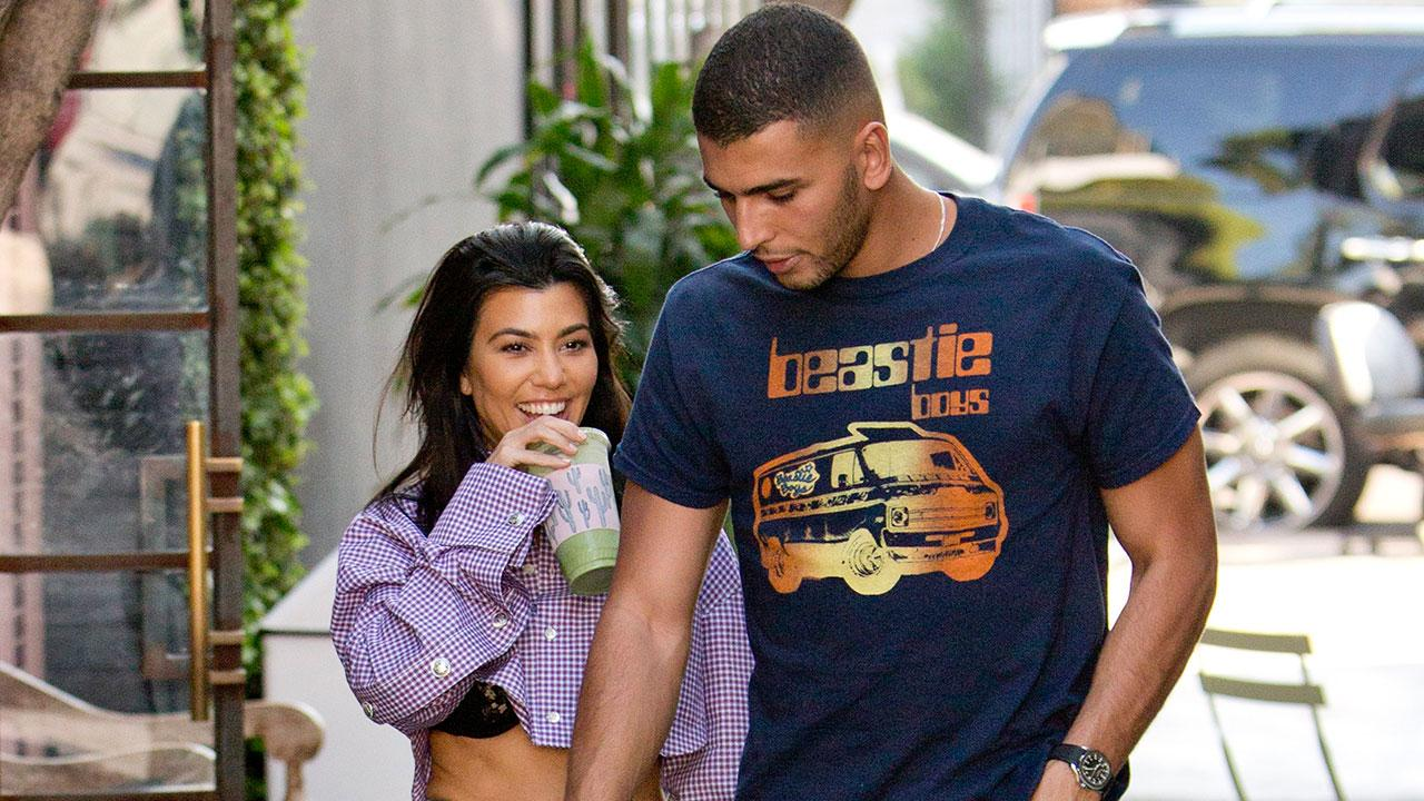 ab7809328ce Kourtney Kardashian Shows Off Her Toned Abs on Date With Younes Bendjima:  Pic!