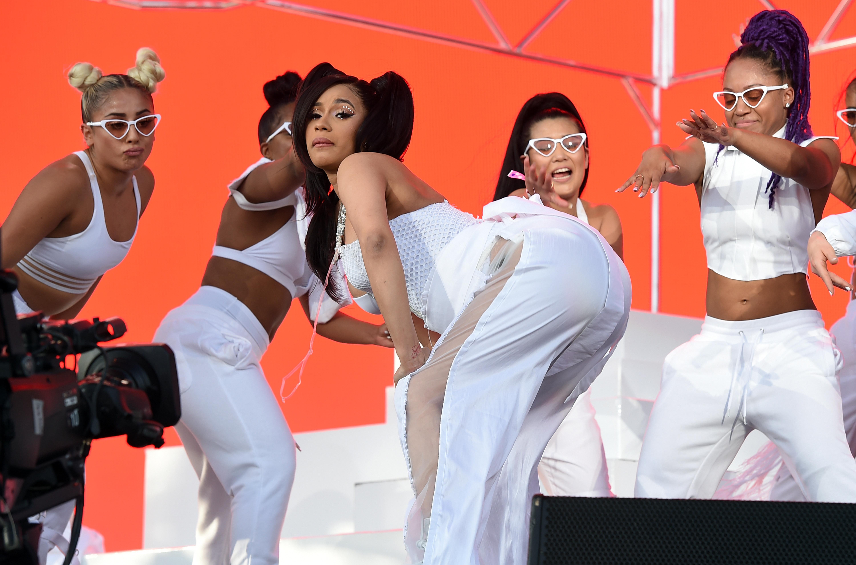Pregnant Cardi B Twerks at Coachella as Migos Seemingly Throws Shade at Nicki Minaj