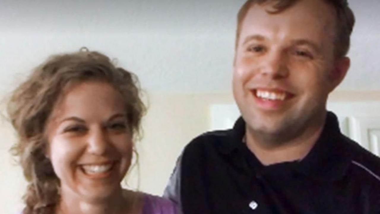 Josiah Duggar and Lauren Swanson Are Married | Entertainment Tonight