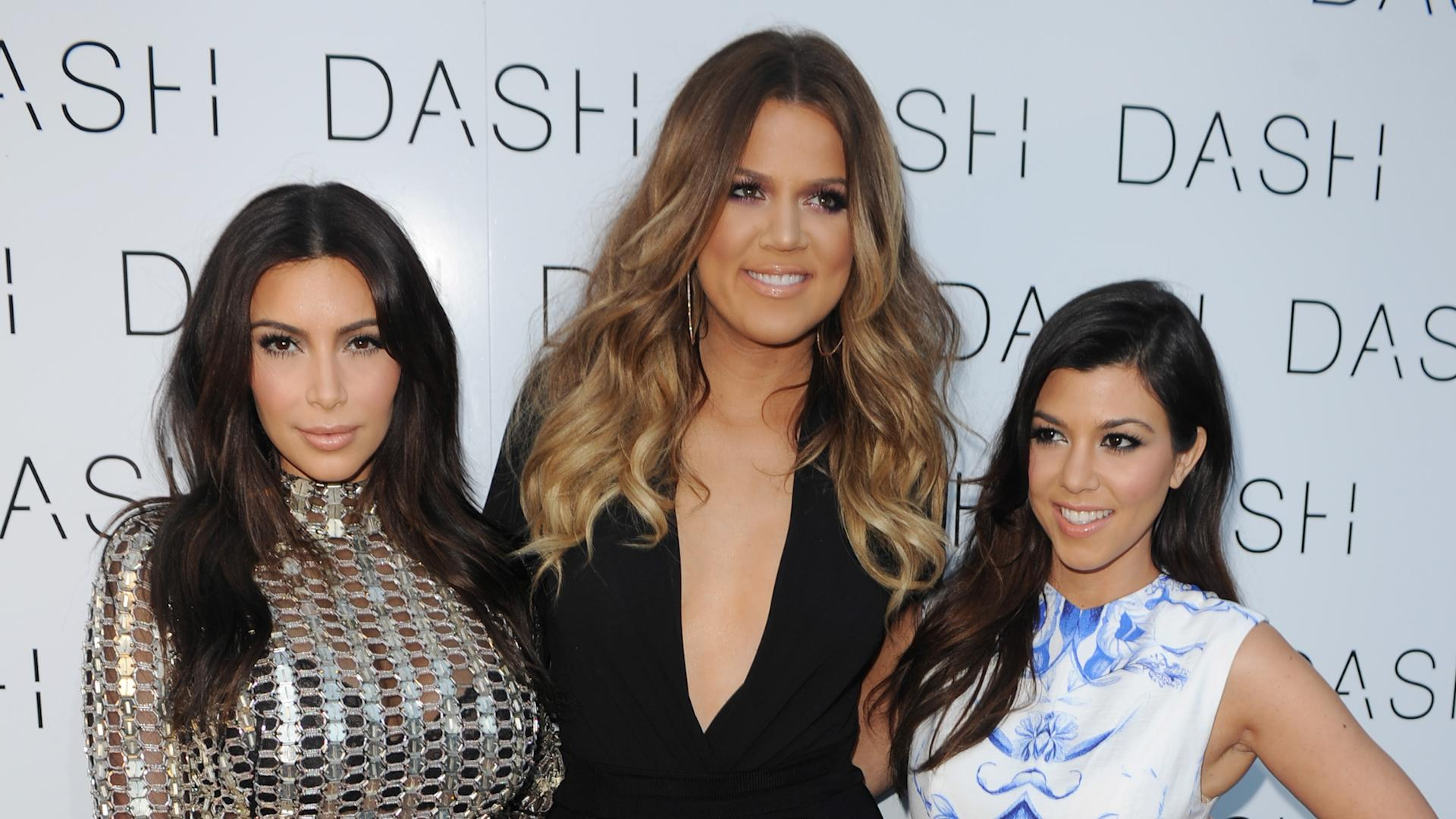 c2f4163b62b9 Kourtney Kardashian Spars With Kim and Khloe While Live-Tweeting 'KUWTK'  Premiere