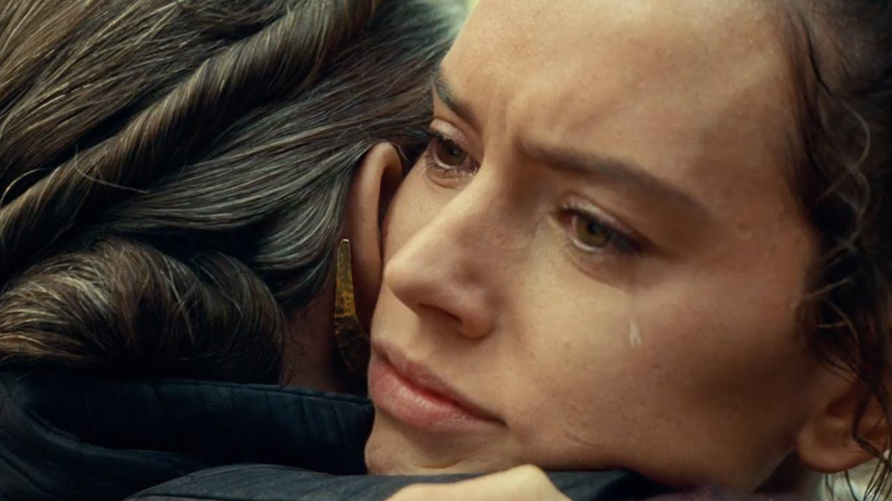 Carrie Fisher's Daughter Billie Lourd Asked J.J. Abrams to Keep Their Scenes in 'The Rise of Skywalker'