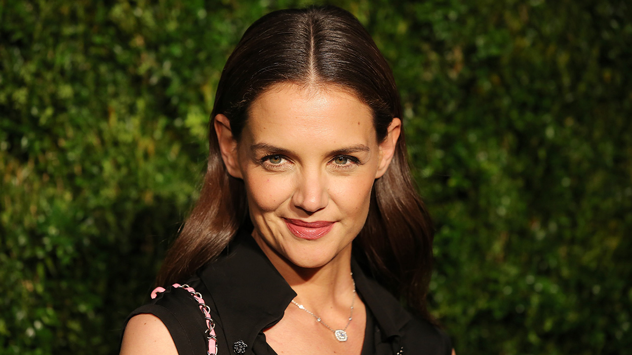 EXCLUSIVE: Katie Holmes Confirms She's Playing Herself in 'Ocean's Eight -- See Her On-Set Arrival