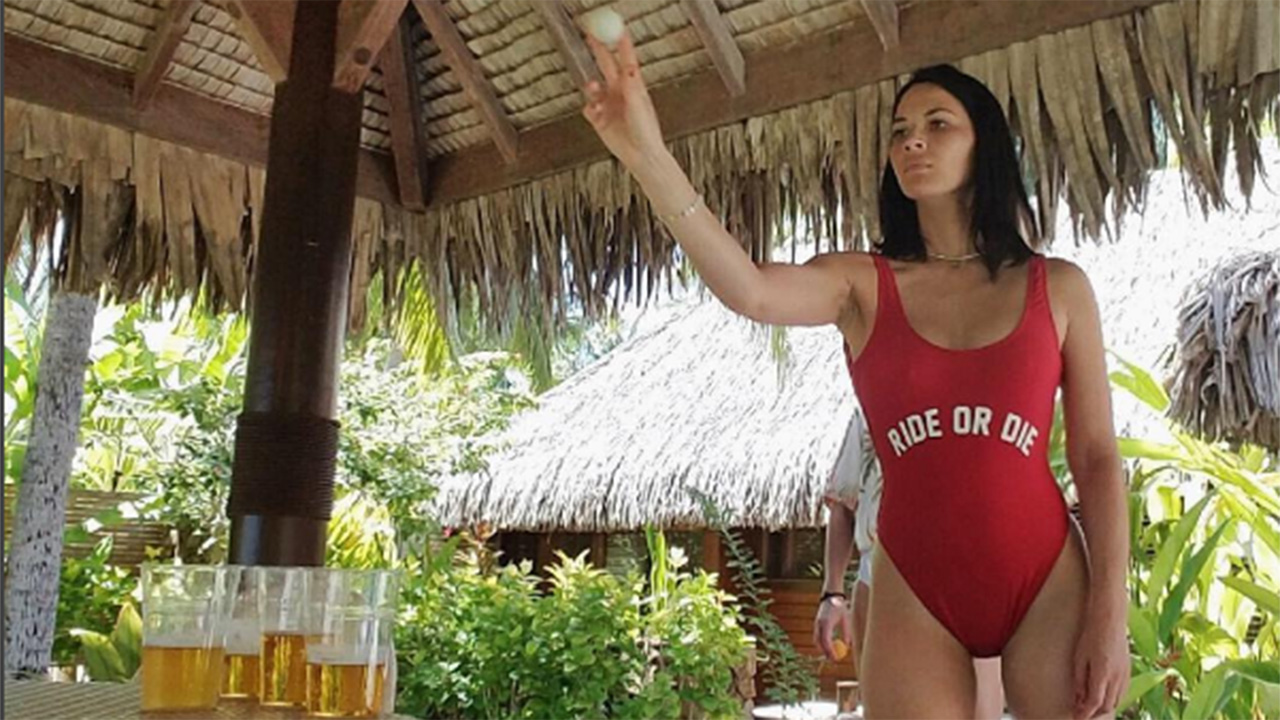 Olivia Munn Rocks Sexy Swimsuit, Plays Beer Bong or the ...