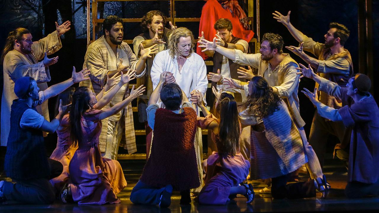 Jesus Christ Superstar Is Nbc S Next Live Musical Cbs