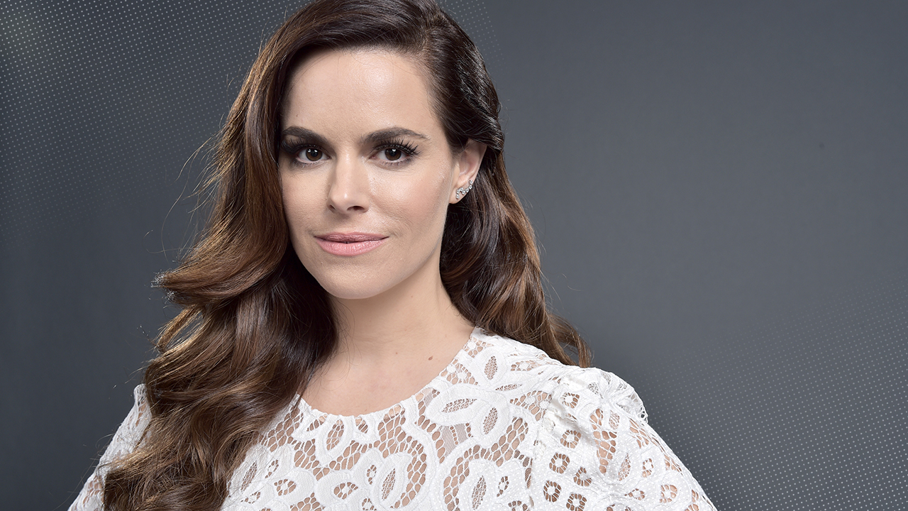 Exclusive How Emily Hampshire S Breakout Tv Roles Are