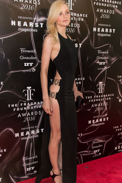The 30-year-old model stunned in a daring black cutout dress at the 2016 Fragrance Foundation Awards on June 7 in New York City. Photo: Getty Images