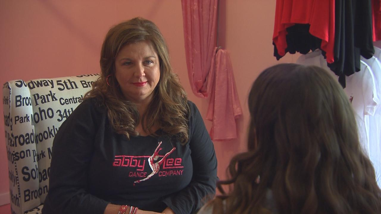 'Dance Moms' Star Abby Lee Miller Tears Up as 'Monica the Medium' Connects With Her Late Mom