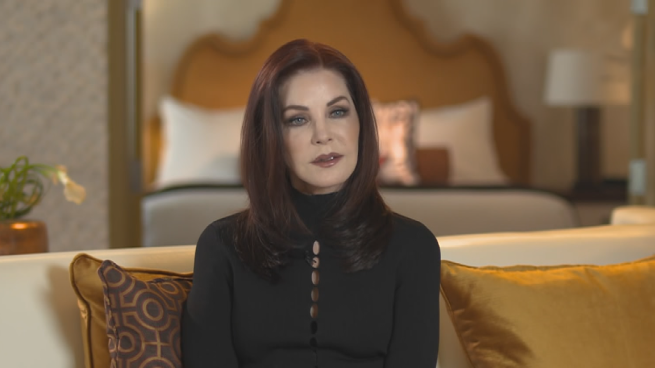 Priscilla Presley Says Lisa Marie Presley 39 S Daughters Are