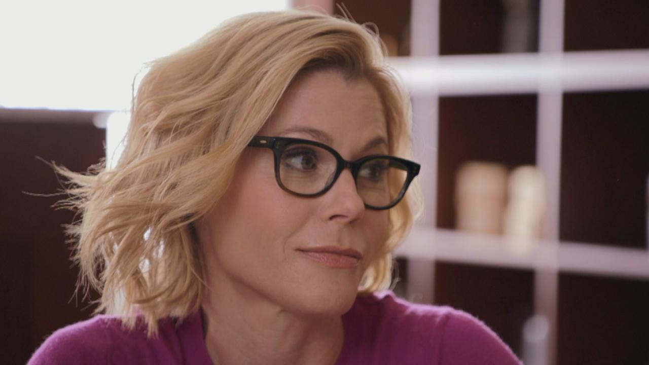 Exclusive Julie Bowen Learns Her Ancestors Fought To End