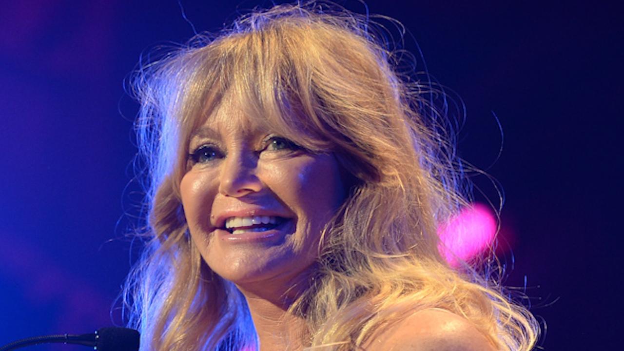 Goldie Hawn Dances Like No One Is Watching In Cute Instagram Vid Cbs News 8 San Diego Ca