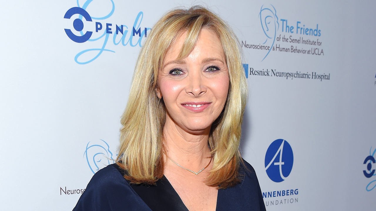 Exclusive Lisa Kudrow Says She Would Be Up For A Romy And Mi Cbs News 8 San Diego Ca