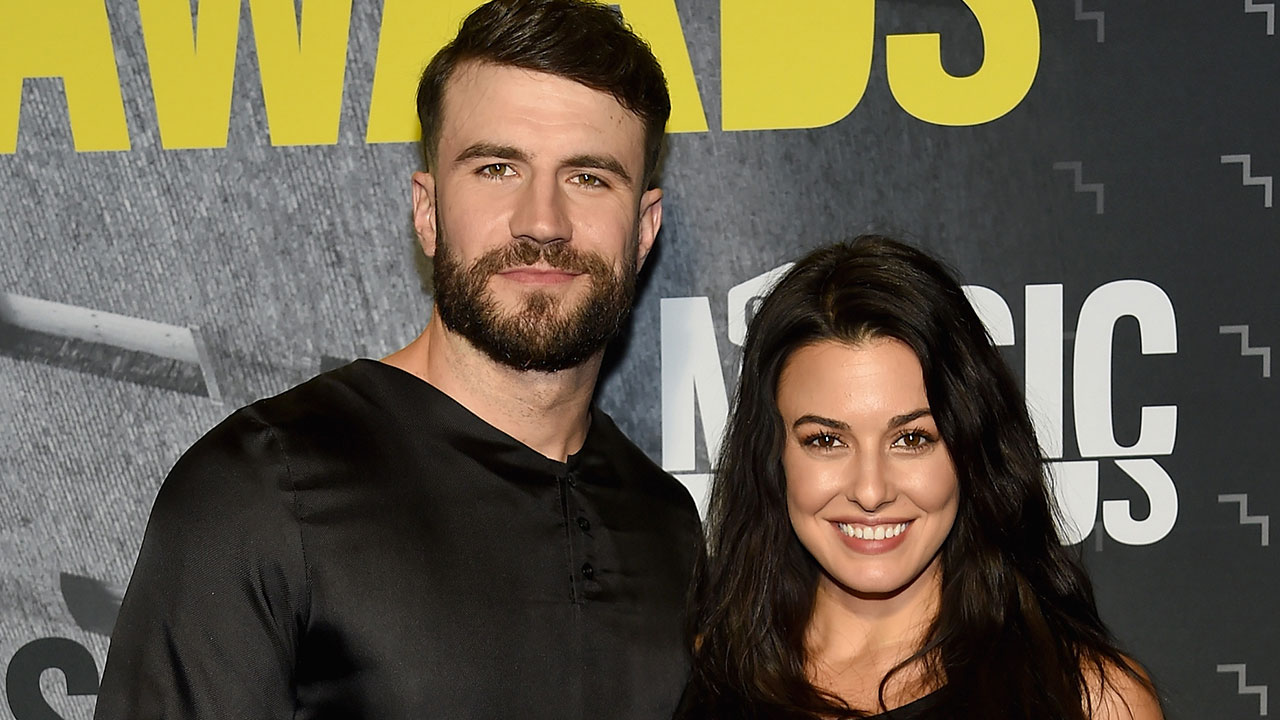 exclusive  sam hunt reveals he flew to hawaii 7 times to