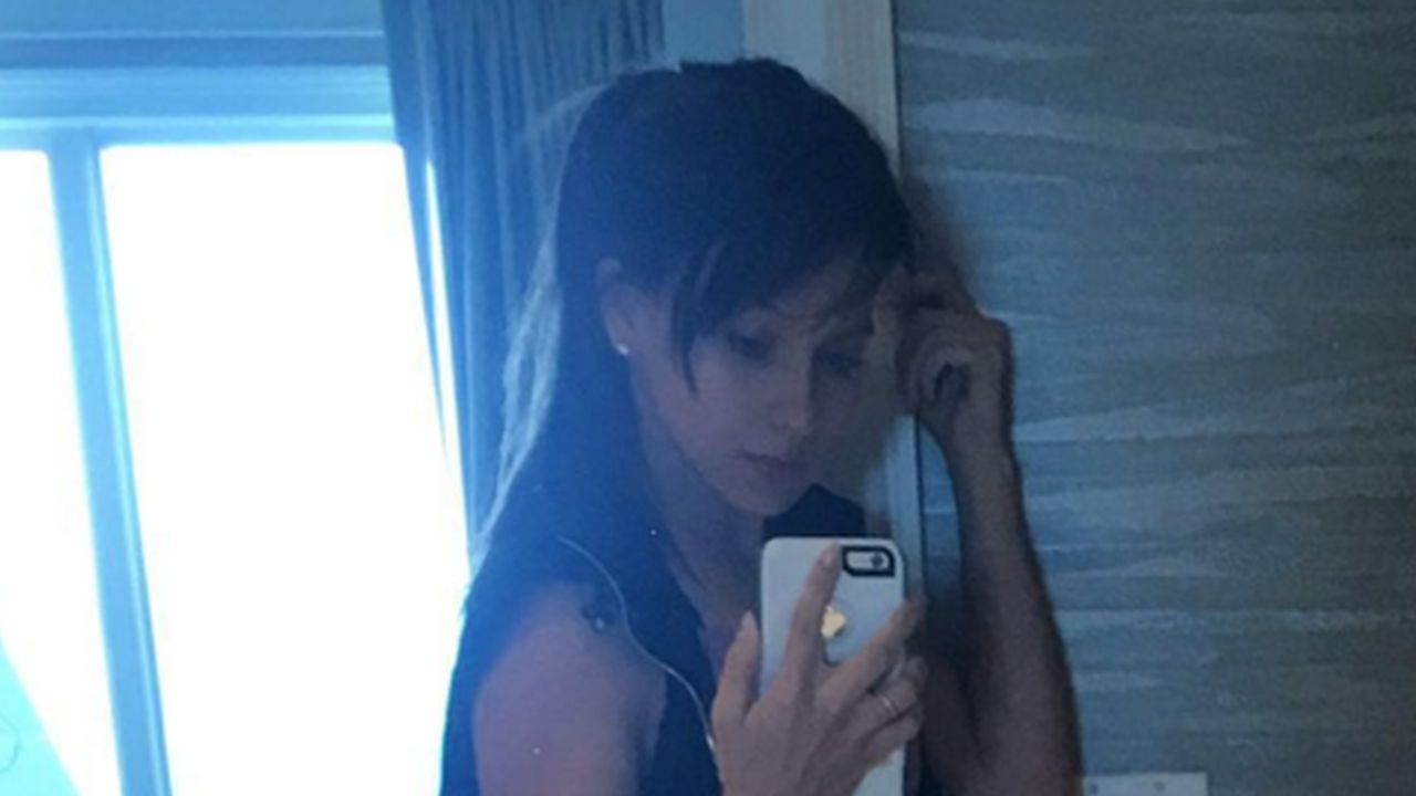 Hilaria Baldwin Shares a Post-Workout Pic of 'BaldwinBabyBump3' - CBS News 8 - San Diego, CA ...